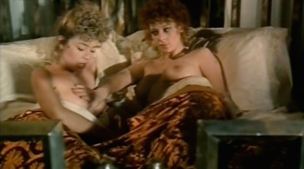 Paola Senatore and Claudia Cavalcanti nude from Penombra
