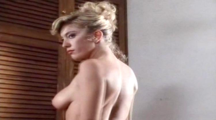 Doppio misto nude scenes