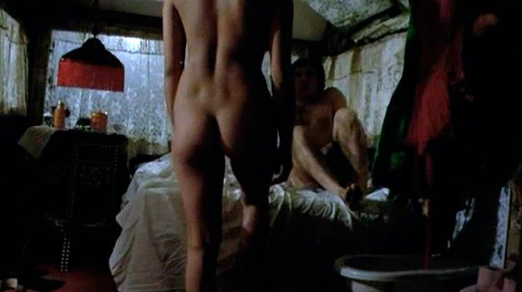 Per amare Ofelia nude scenes