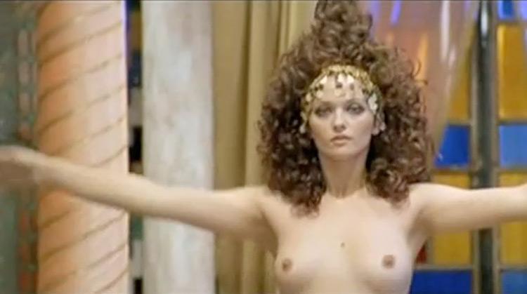 Finalmente… le mille e una notte nude scenes
