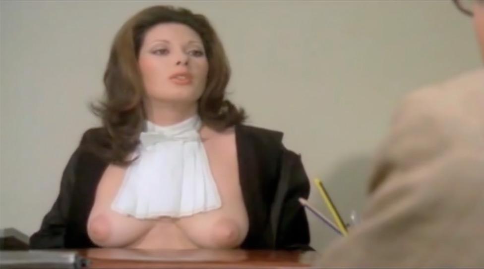 La pretora nude scenes