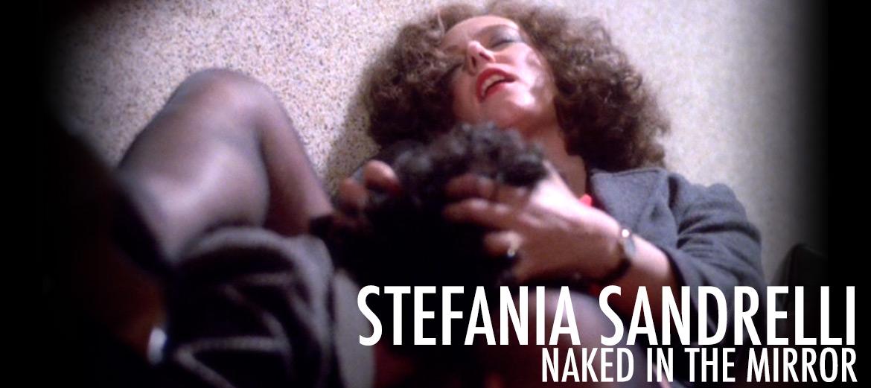 una Donna Allo Specchio Nude Scenes Slider