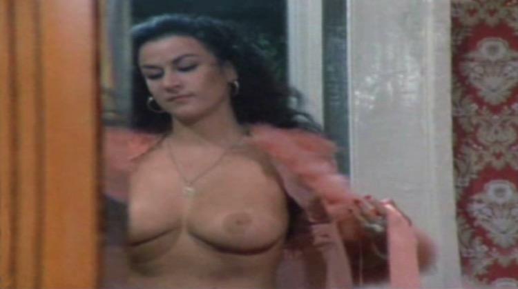 Gegé Bellavita nude scenes