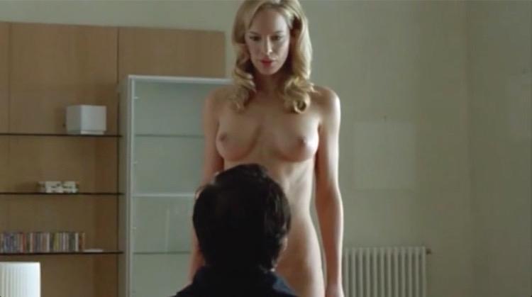 Un amore su misura nude scenes