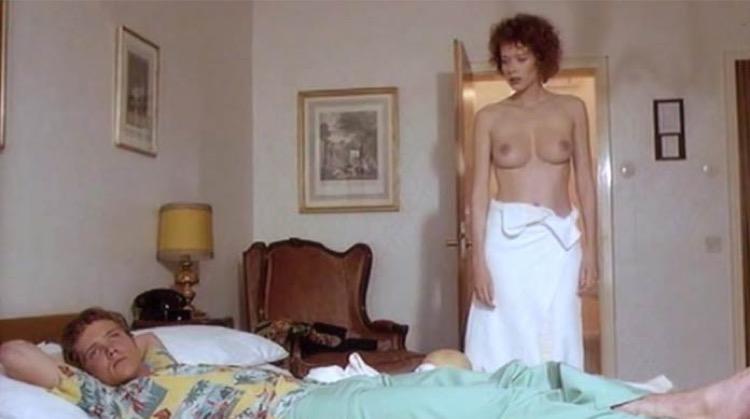 Julia nude scenes