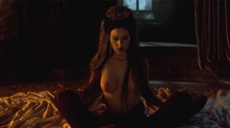 Bram Stoker's Dracula nude scenes