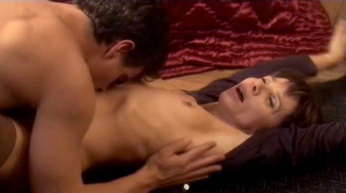 X Femmes [Season 2] nude scenes