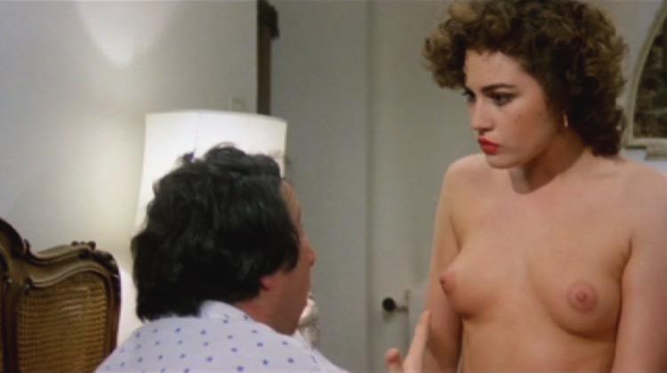 L'onorevole con l'amante sotto il letto nude scenes