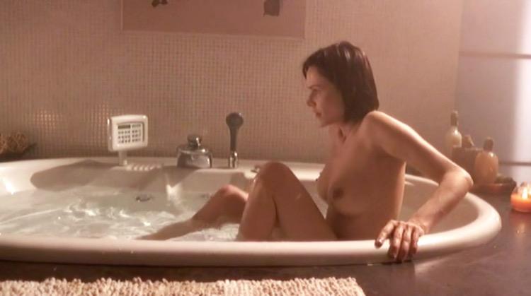 Per Sempre nude scenes