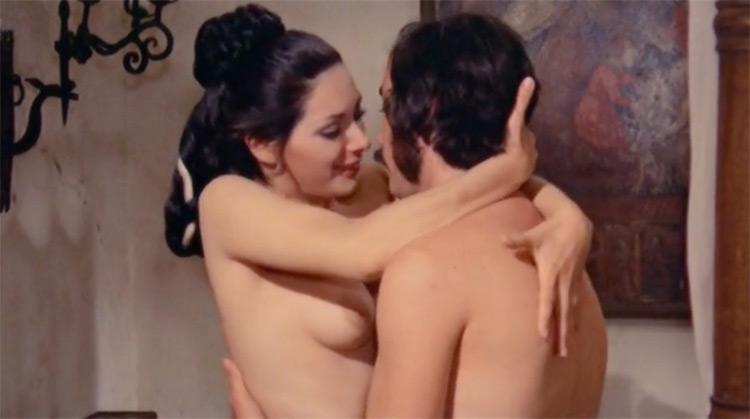 La bella Antonia, prima monica e poi dimonia nude scenes