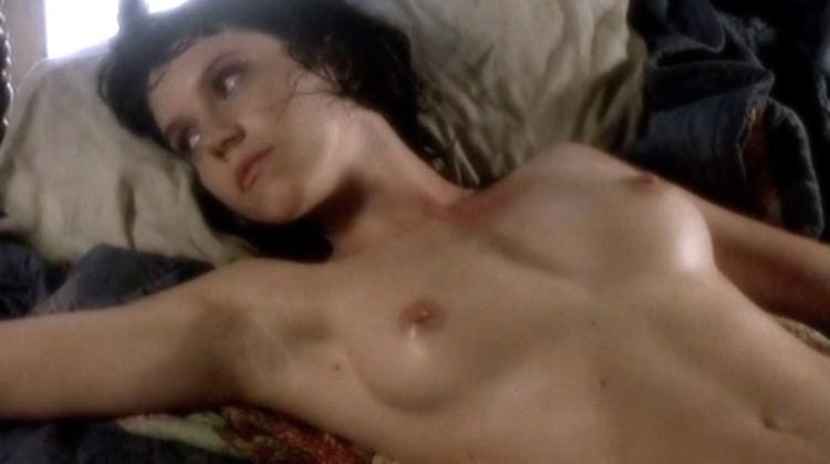 Pomeriggio caldo nude scenes