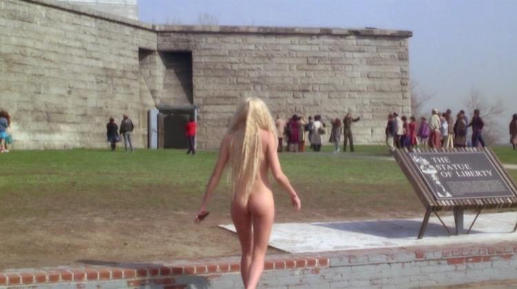 Splash nude scenes