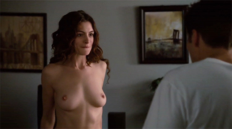 Love & Other Drugs nude scenes