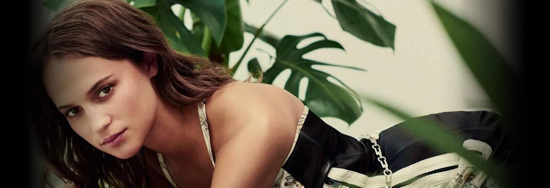 bio Alicia Vikander Nude