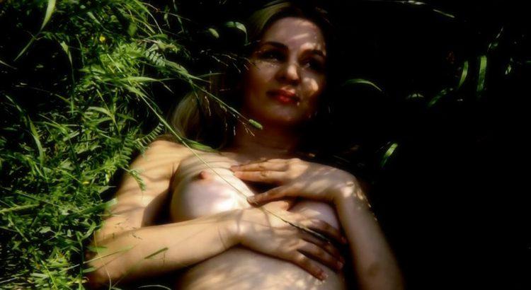 mariah Kanninen Nude Dust Box